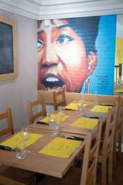 Aretha Franklin Table
